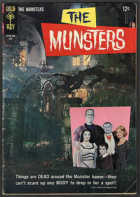 THE MUNSTERS #13 - 1967 Gold Key Photo Cover Comic Book Pin-Up Back NICE!