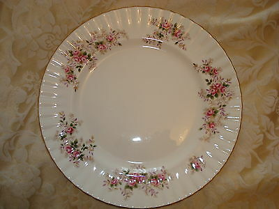 ROYAL ALBERT BONE CHINA 1961 'LAVENDER ROSE DINNER PLATE 10 1/4in DIAMETER