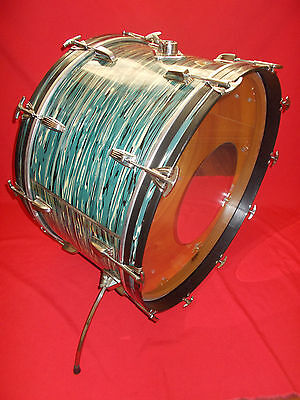 """Vintage 1970s Ludwig 26"""" Oyster Blue Pearl 3-Ply Bass Drum"""