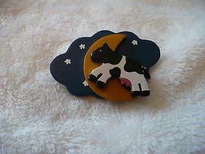 Wu-  Cow Jumped Over The Moon Pin Back Brooch    #52137