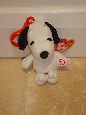 "TY Beanie Baby 4"" Snoopy from Peanuts Charlie Brown Clip On Key Ring Chain Plush"