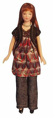 1/12Th Scale Dolls House  Doll Modern Woman In Smock Top