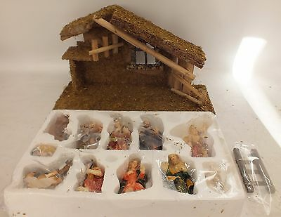 Brand New 11 Piece Resin & Wooden Christmas NATIVITY SET  - Y99