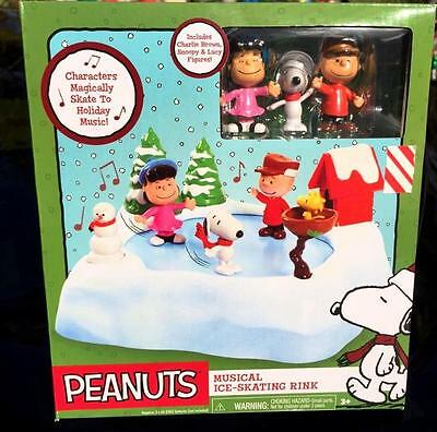 Peanuts Charlie Brown Snoopy Ice Skating Pond Musical Ice Rink ++ Figures Decor