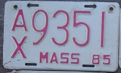 MASSACHUSETTS  VINTAGE 1985  Motorcycle Cycle License plate  AX 9351  ^^