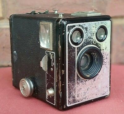 """RARE Vintage """"BROWNIE SIX-20 FILM Box CAMERA Model D"""" Old COLLECTABLE!!"""