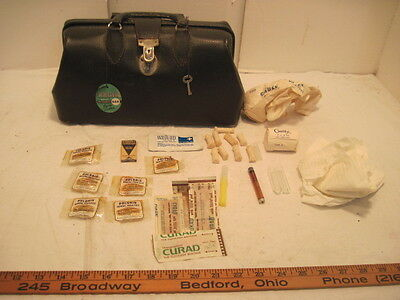 Old Vintage Kruse Locking Leather Medical Doc Bag With Tag Key And Supplies Nice