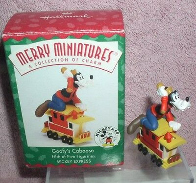 Walt Disney Goofy Caboose Mickey & Co. Collection figurine