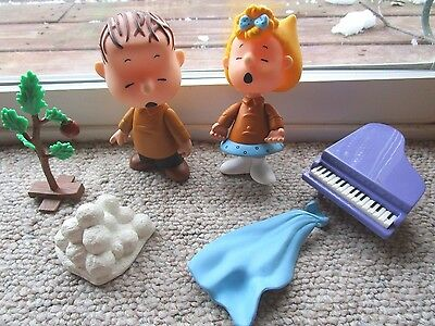 Peanuts A CHARLIE BROWN CHRISTMAS Play Figures Sally Linus Mixed Lot Parts