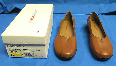 Vintage Naturalizer Women's Slip On Loafers Soft Leather 7 1/2 M W/ Original Box
