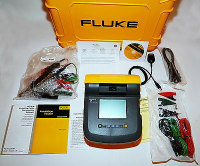 FLUKE 1555 KIT 10 kV INSULATION RESISTANCE TESTER KIT W/ HARD CARRYING CASE NEW