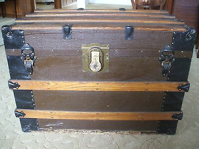 Beautiful Antique 1870s-1880s Steamer Luggage Trunk with Original Insert Tray