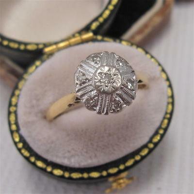 VINTAGE 1950's DIAMOND DAISY CLUSTER RING in 18ct GOLD and PLATINUM size P