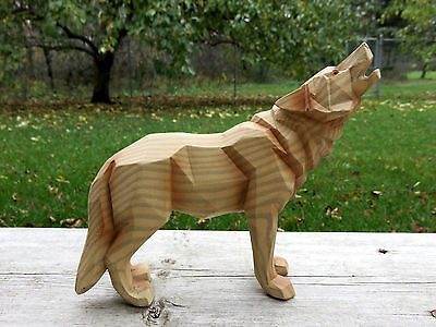 """WOLF FAUX WOOD CARVING COUNTRY COTTAGE CABIN RESIN HOWLS DECOR  WOLVES6.2"""" x 6"""""""