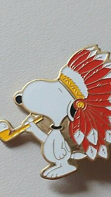 Peanuts SNOOPY Pin Smoking Feathers United Feature Syndicate 1972 Enamel RARE