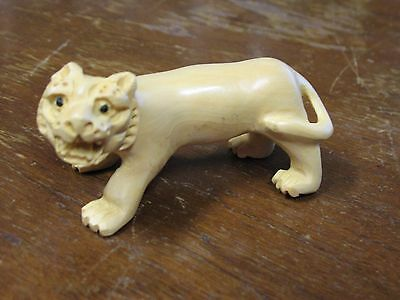 Small Yellow Chinese Carved Wooden Lion Tiger Figurine Netsuke