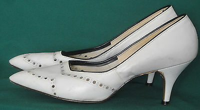 Vintage 50s White Shoes Pointed Toe Spiked Heel Leather  7 1/2