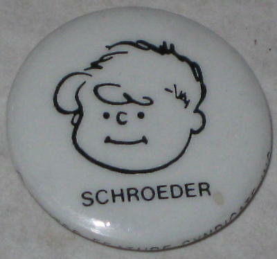 """Snoopy Old-Style Schroeder Pin 1"""""""