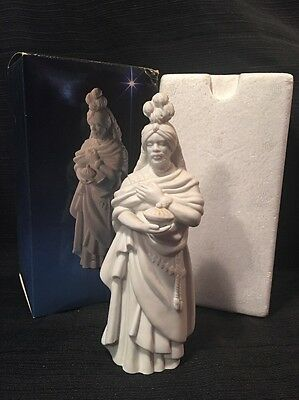 Avon Nativity Collectibles The Magi KASPAR wise man king figurine w/box