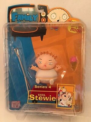 Family Guy - XXXL Stewie - Series 4 Mezco Action Figure