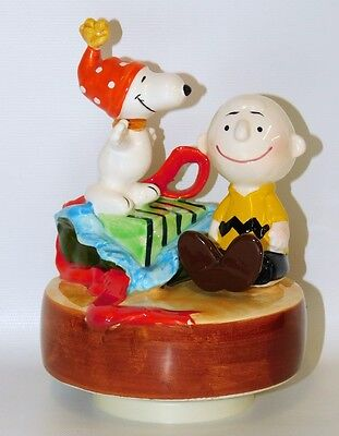 Peanuts Snoopy & Charlie Brown Christmas Music Box Vintage Ceramic Schmid 1980