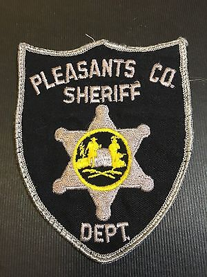 Pleasants County Sheriff  West Virginia Shoulder  Patch  Old Used