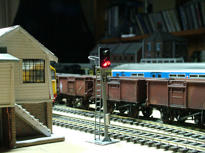 So13Hr - New Oo Gauge 3 Aspect Home Led Signal With Safety Ring