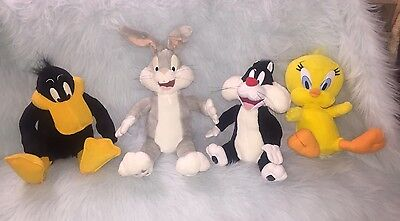 Looney Tunes Play By Play Talking Plush Bugs Bunny Tweety Daffy Sylvester!