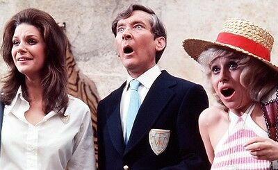 """Carry On Abroad Gail Grainger Film Still 10"""" x 8"""" Photograph no 6"""