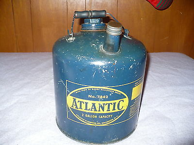 Vintage 2 Gallon #7842 Atlantic Gas Can W/ Wooden Bale Handle Great Graphics