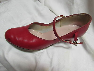"""Capezio RED Charactor Ballroom Dance Shoes Size 8.5 heels 2"""" excellent condition"""