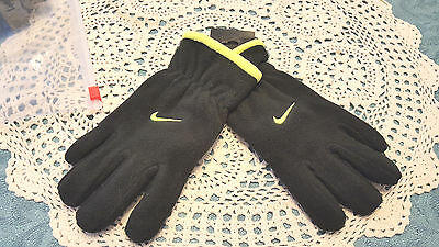 NWT  Nike Boy's Gloves  Youth  One Size 8-20 NEW  Black /Lime