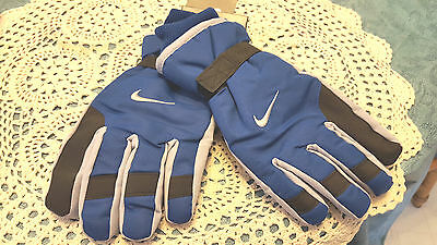 NWT  Nike Boy's Gloves  Youth  One Size 8-20 NEW  Blue   NEW