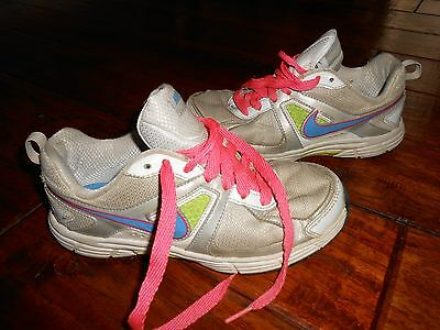 Girls Nike Sneakers / Shoes Size 3