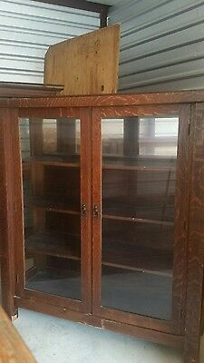 Antique Quarter Sawn Oak Mission Style Arts And Crafts China Cabinet