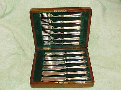 Vintage Walker & Hall Sheffield Silverplate Knives & Forks Wooden Box And Key