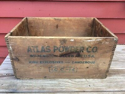 Antique Vintage ATLAS POWDER CO High Explosives Wood Wooden Dovetail Crate Box