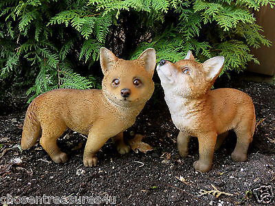 Two Fox Figurines Foxes Resin Wild Animal Countryside Smart Foxy Red