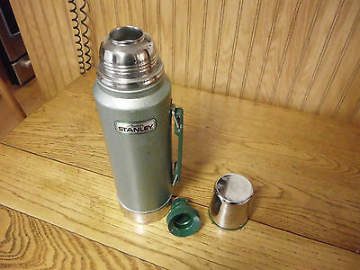 Vintage STANLEY Aladdin  Coffee hot cold Thermos 1 Quart, A-944DH
