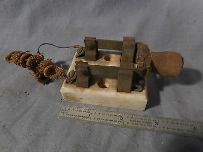 VINTAGE PORCELAIN CERAMIC DOUBLE KNIFE SWITCH BLOCK antique wood handle OLD