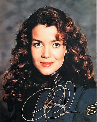OFFICIAL WEBSITE Claudia Christian Susan Ivanova BABYLON 5 8x10 AUTOGRAPHED