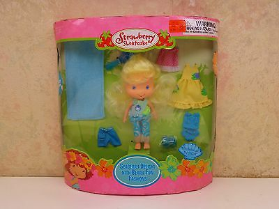 2004 Strawberry Shortcake Seaberry Delight With Berry Fun Fashions SEALED