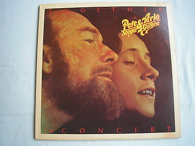 PETE SEEGER & ARLO GUTHRIE In Concert US double LP gatefold sleeve 1975 ex+/ex+
