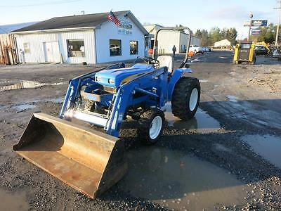 2008 New Holland T1520, 4X4, 35 Hp Diesel, 540 Pto, 3 Pt Hitch, Loader, 1060 Hrs