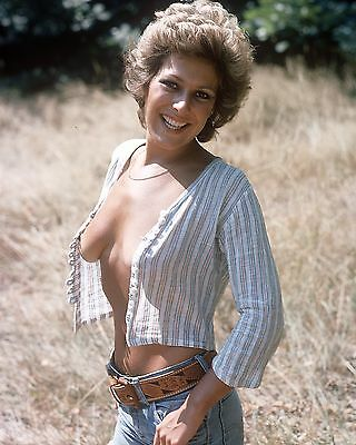 "Lynda Bellingham 10"" x 8"" Photograph no 14"