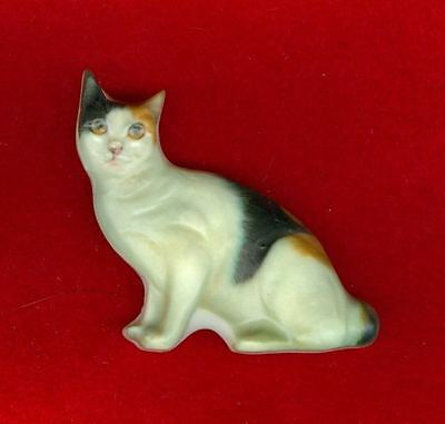 Vintage RARE Sculptured Cold Cast Porcelain Calico Cat Pin Almost 3D!! Light