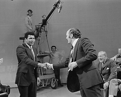 """Henry Cooper and Muhammad Ali 10"""" x 8"""" Photograph 2"""