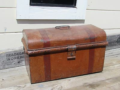VINTAGE PRIMITIVE TRUNK CHEST TIN METAL GREAT LOOK SMALL 20 x 10 x  11