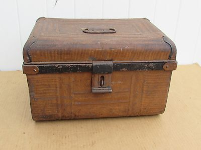 VINTAGE PRIMITIVE TRUNK CHEST TIN METAL GREAT LOOK SMALL 15 x 10 x  9.5