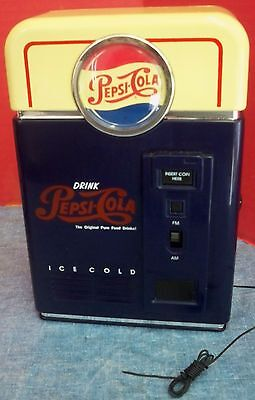 Vintage Look Pepsi-Cola Machine AM/FM Radio Portable Battery Operated 1998 Mint